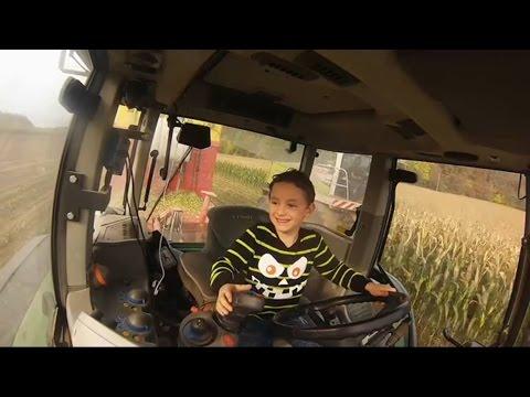 Kevin allein im Fendt | mit 6 Jahren beim Maisabtransport | Klaus Fischer | Maissilieren 2016