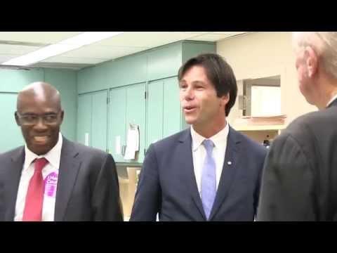 Minister of Health announces new pharmacy for Lakeridge Health