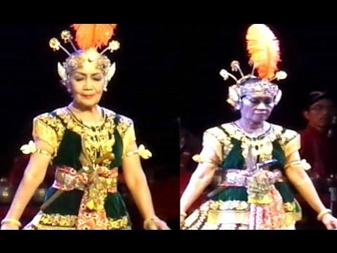 Tari SRIMPI PANDHELORI - Asia Pacific Performing Arts - Javanese Classical Dance [HD]