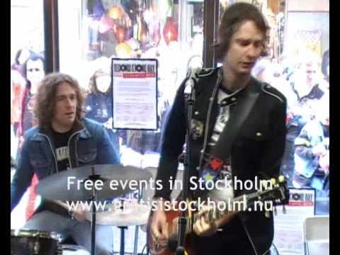 Dundertåget - Den Enda Här Som Inte Är Unik - Live at Bengans, Stockholm, 1(4)