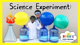 BLOWING UP GIANT BALLOON Baking Soda and Vinegar Experiment for kids