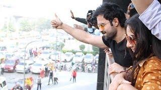 Emran Hashmi Mobbed At A Mall