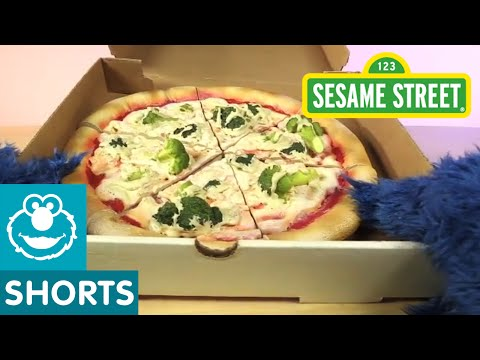 Sesame Street: Cookie Monster Unboxes a Pizza