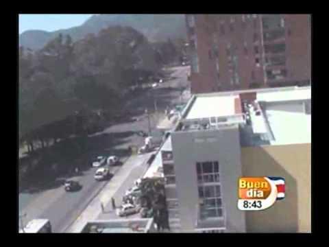 TERREMOTO 7.6  COSTA RICA EN VIVO 5 9 2012 HORA 8.42 AM CANAL 7 BUEN DIA EDGAR SILVA