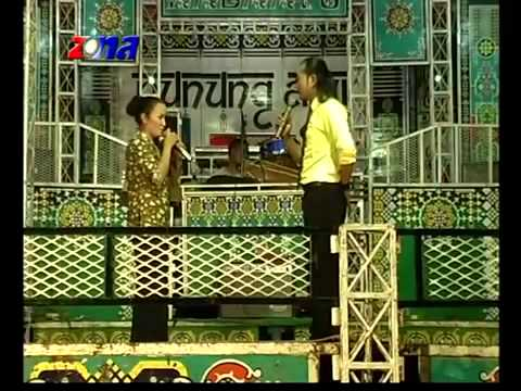 Nunung Alvi Feat Rizal