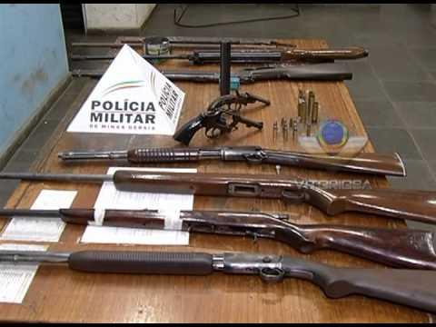 Senhor de 60 anos é preso com diversas armas
