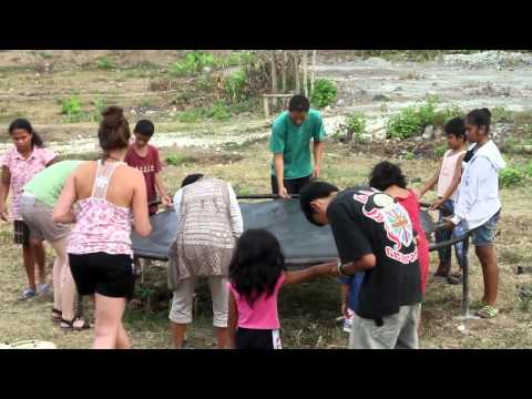 Studentsgoabroad.com | Volunteer community service project in slum area of Gianyar, Bali