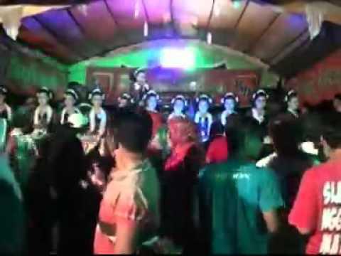 Jaipongan Ujang Lanay   JABLAY PONGDUT
