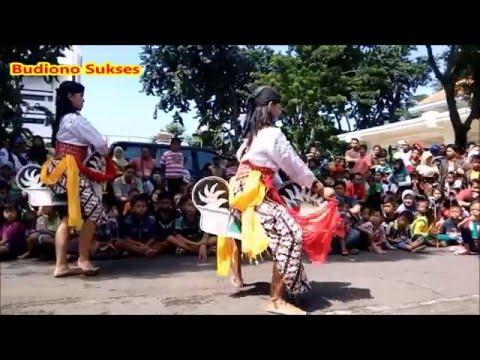 Tari Jaranan Reog Ponorogo di Balai Pemuda Surabaya
