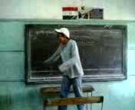 Funny fight in classroom / Combat comique en classe مضحك جدا Video