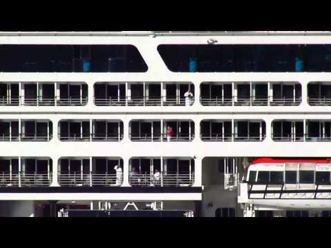 Kaş'a 650 turist tasiyan Azamara Quest isimli kruvazer gemisi geldi