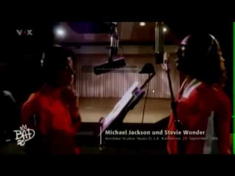 Michael Jackson and Stevie Wonder working in studio !!! RARE