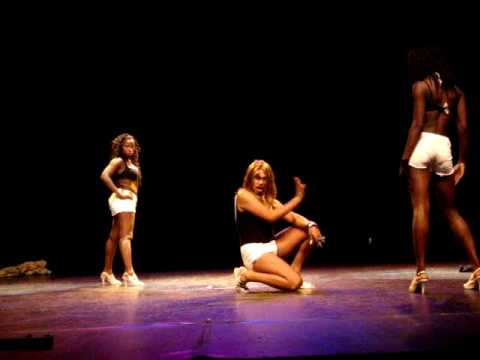 Fat Ma Yoncé, Beyonce s sister : Hip Hop Chevilly Awards 2009 (8).MPG