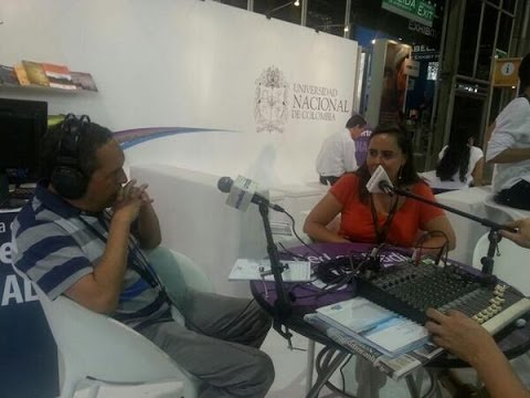 Directora de la Caja de la Vivienda Popular habla en los micrófonos de la UN Radio.