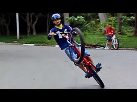 Download 2º Encontro no Grajau - SP Grau e RL/Wheeling Bike Mp4 baru