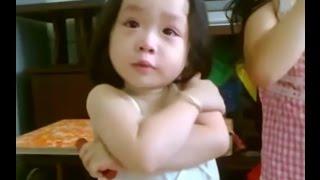 Bé gái cãi tay đôi với bố cực dễ thương