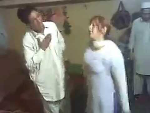 Kashmiri Couple Enjoing The Dance video