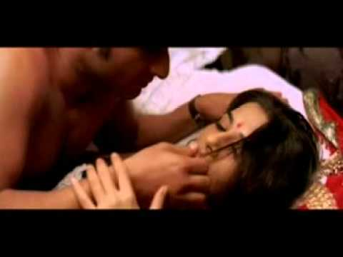 Vidya Balan Hot Song Parinita, video