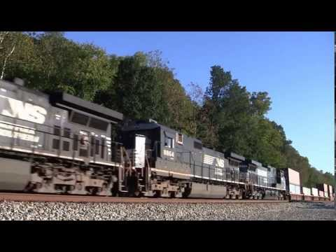 Norfolk Southern Intermodal Train with Six Locomotives Rosemont, OH [HD]