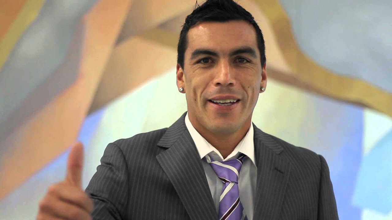 Esteban paredes delantero selecci n chilena youtube for Esteban paredes 7