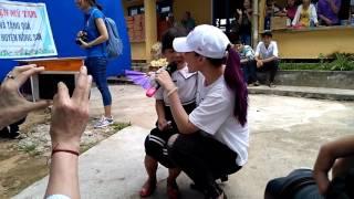 Chị Tâm hát liên khúc 3 bài thiếu nhi với bé Na