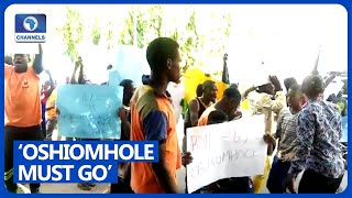 Protesters Storm APC HQ, Demands Oshiomhole's Sack