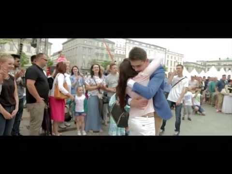 Żaneta I Michał - Taniec łączy Ludzi KRAKÓW 24.05.2014r - Zaręczyny Na Rynku Głównym W Krakowie
