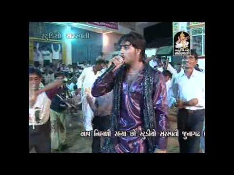 Gokud Gadhthi Govalan | Non Stop Dandiya Raas | Gujarati Live Songs video