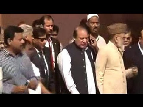 Pakistan PM Nawaz Sharif visits Jama Masjid in Delhi