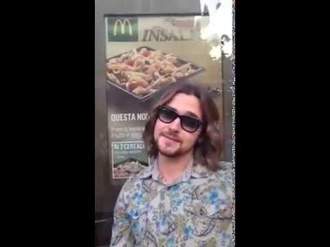 Valerio Scanu imita Belen Rodriguez nello spot Mc Donald's