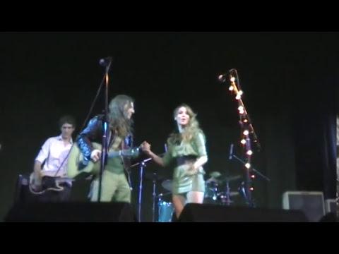 Daniela Herrero y Luciano Napolitano - Juntos a la par (ND Ateneo 2011)