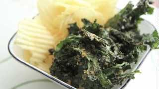 How to make Kale Chips in the oven- DIY Baked Kale Chips Recipe - Healthy Vegan Snack
