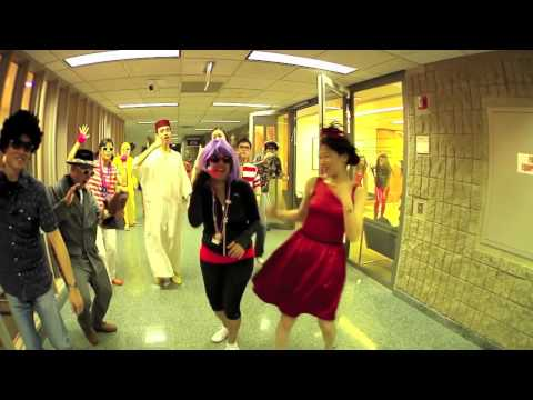 Kellogg School of Management - LipDub 2013 - Owl City - Good Time