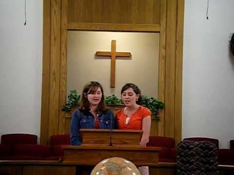 Ashley and Isabella sing in Tagalog