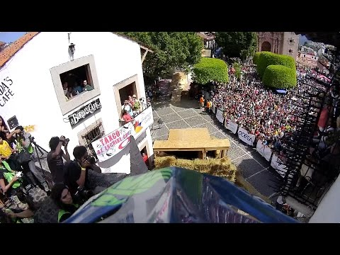 Replay XD: Bernard Kerr TAXCO Urban Downhill
