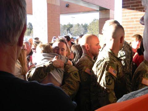 RETURNING SOLDIERS GET SURPRISE POLICE ESCORT