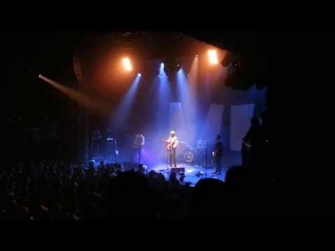 Le chanteur Tété rend hommage à la prêtresse Marie Laveau de la Nouvelle Orléans