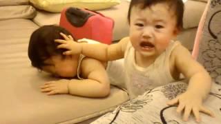 雙胞胎姐妹的暴力摔角