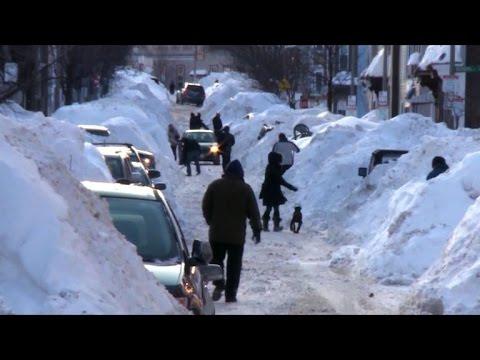Record-setting amounts of snow hit US east coast