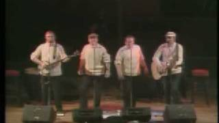 The Clancy Brothers - Brennan On The Moor