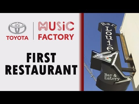 Bar Louie Opens at Toyota Music Factory in Irving