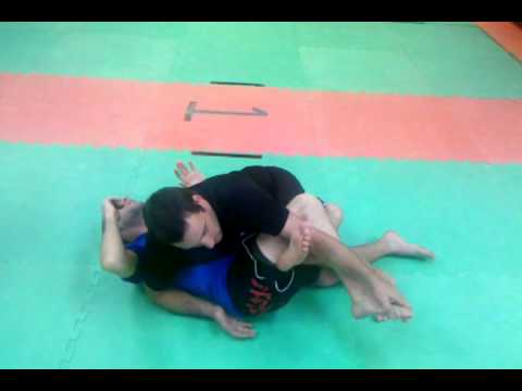 Catch wrestling knee attack! Image 1