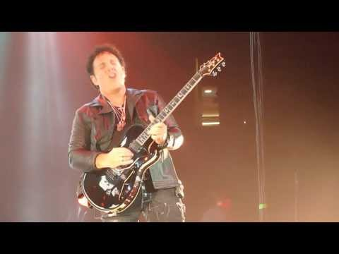 O Canada Guitar Solo by Neal Schon (Journey)