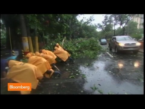 Raw Video: Typhoon Rammasun Hits the Philippines