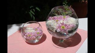 Come realizzare un centrotavola con dei fiori galleggianti