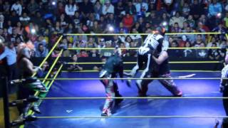 Psycho Clown y La Parka vs Murder Clown y Monster Clown en la Arena Neza