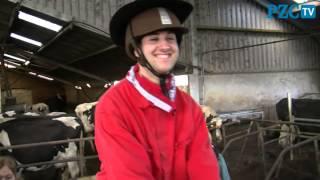 Cowboy Danny rijdt een rondje koe
