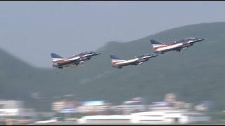 Airshow China 2016 Opens in Zhuhai