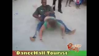 Udaku KE This is madness ati DanceHall Tourist
