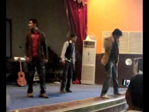 Siit College Sialkot Welcom Party 2009 Dance 8.wmv